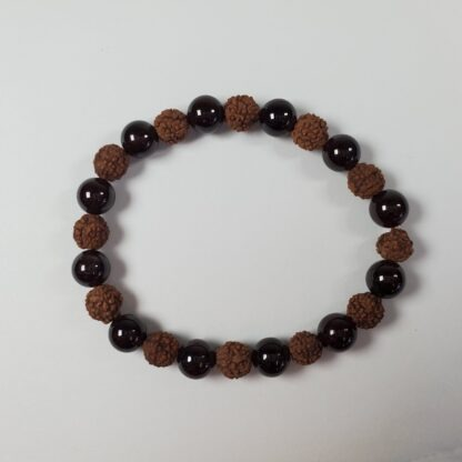 bracelet grenat et graine de rudraksha
