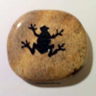 pierre-totem-grenouille