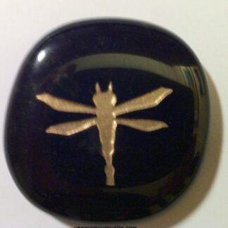 pierre-totem-libellule