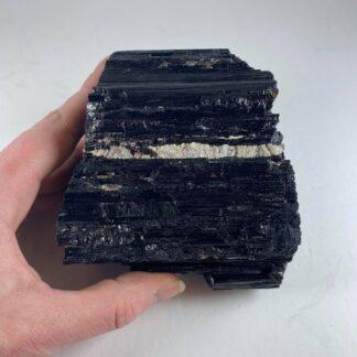 Tourmaline noire brute - base coupée